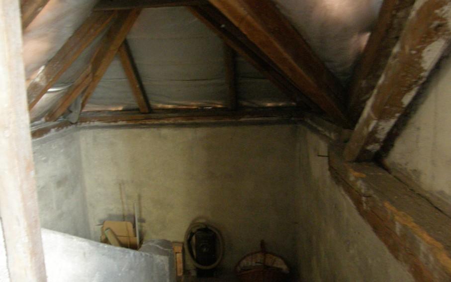 Schodiště do podkroví-původní stav