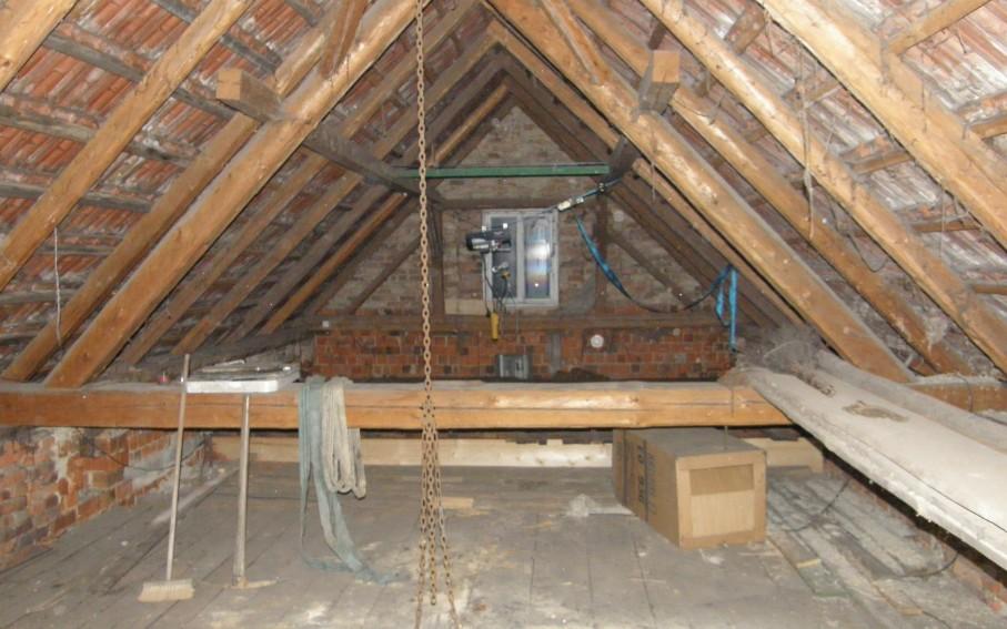 Interiér v podkroví - původní stav