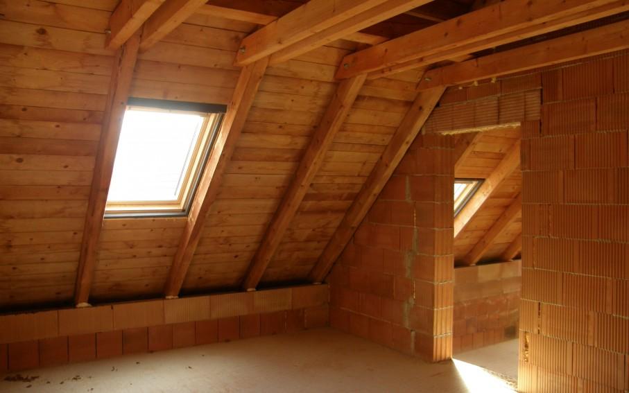 Interiér podkroví - ložnice